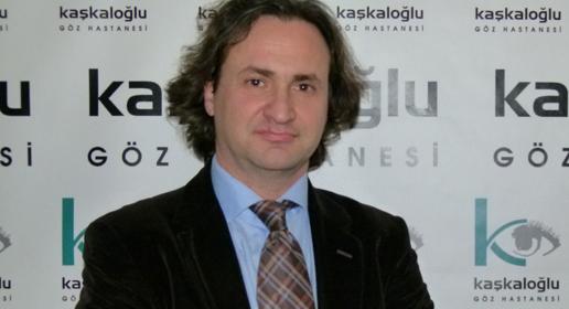 vitrektomi ameliyatı yapan doktor Prof. Dr. Erkin Kır